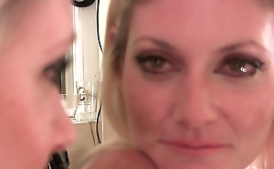 Sexy Eyes Seduction