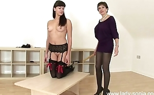 Masturbatrix spanks sexy nuisance