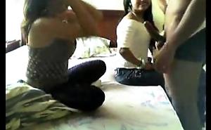 colombianas en motel mamando verga