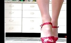 Tiffany Mynx, A Toe Story