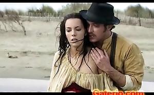Vicky Luengo Desnuda Sin Ropa en Topless en Carmen