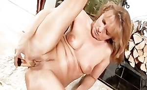 Anilos Koko toys her snatch and rides a load of shit