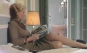 Hardcore Porn Movie - a chick reading book