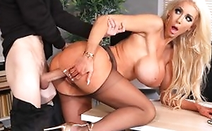 Successful fuckdoll with jumbo silicone tits gets her cunthole drilled