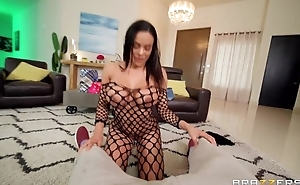 Exotic Brazzers indulge takes cum primarily her face after fucking Scott's dick