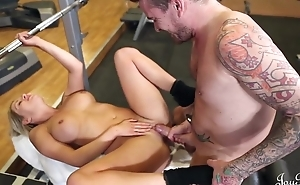 Piping hot slut with big juggs pleasuring tattooed guy roughly the gym