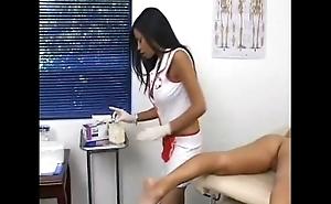 Havana Ginger gives unshod exam to Keanni Lei